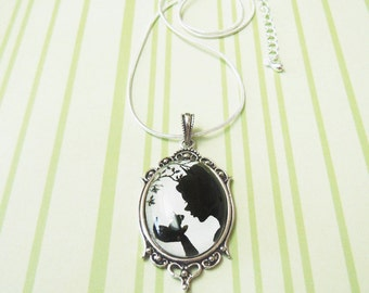 The Magical Kiss -- Silhouette Wearable Art Cameo Necklace.Christmas gift.Valentine's gift
