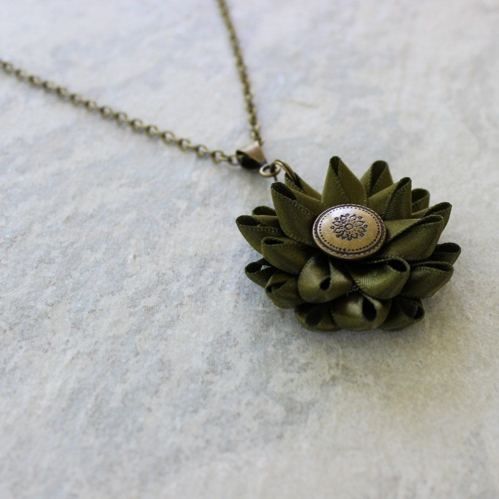 olive green necklace green necklace olive jewelry