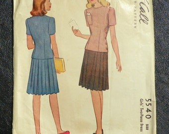 Girl's Two Piece Dress Pattern Vintage 1944 McCall 5540 Size 14