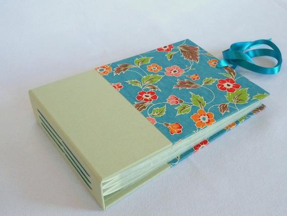 Mini Photo Album Flowers on Blue - holds 48 4x6 photos - In Stock