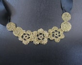 Necklaces Crochet With Flowers Color Gold