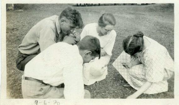 "Vintage Photo ""Four-Leaf Clover Hunt"", Photography, Paper Ephemera, Snapshot, Old Photo, Collectibles - 0075"