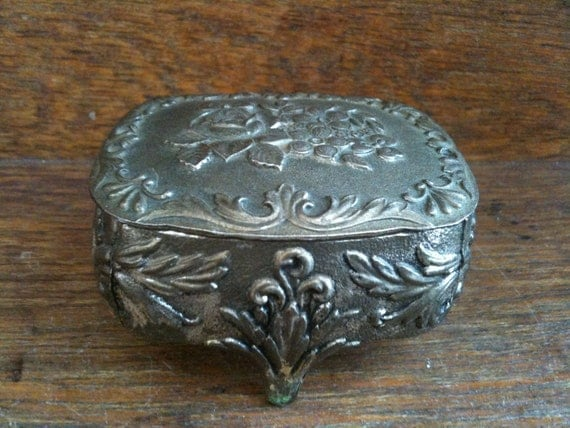Vintage Small Trinket Box / English Shop