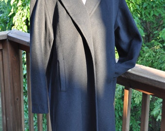 Black Classic Swing Coat. 1960s Winter Coat by Fashionbilt. Mad Men Outerwear. Mid Century wrap.