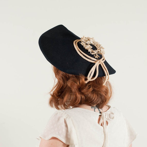 sale / vintage 1940s hat / wide brim hat / Lily of the Valley