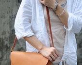 Artemis Leatherware Hand Stitched Camel Color Leather Shoulder Bag/ Carry On Bag