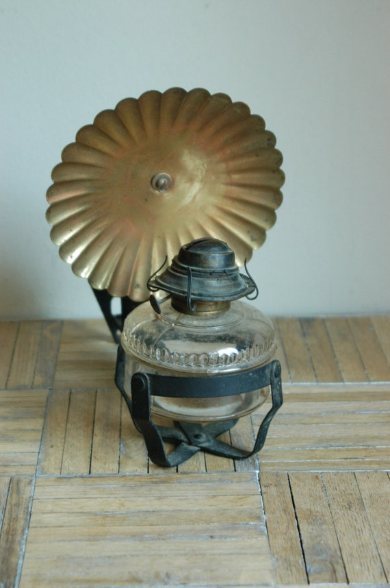 Wall Mounted Brass Oil Lamps : Items similar to Vintage Wall Mount Oil Lamp With Brass Reflector on Etsy