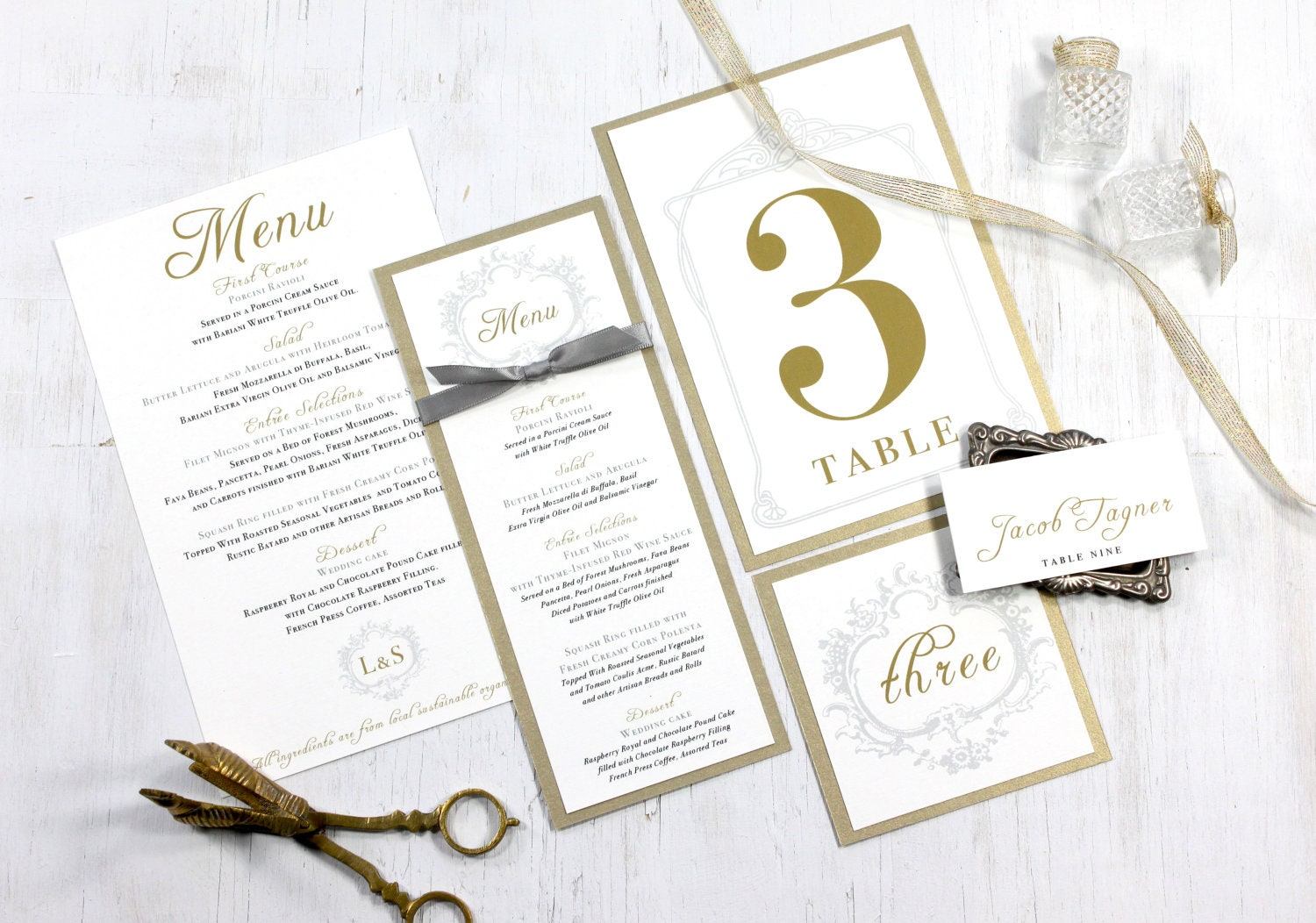 Gold menu cards wedding place cards elegant wedding table for Table place cards