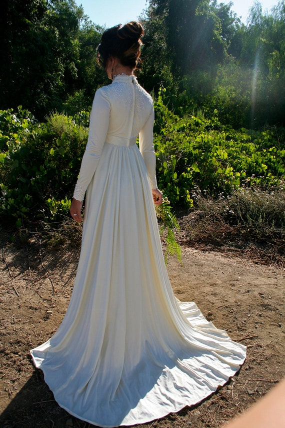 CLEARANCE VINTAGE IVORY Wedding Gown By DustandDaze On Etsy
