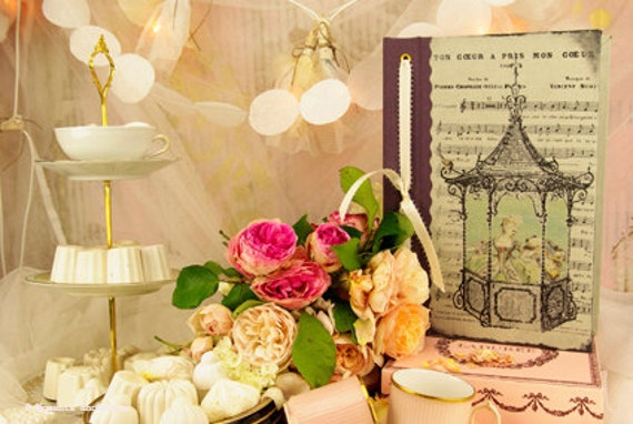 """Saint Valentin Guest book """"Marie Antoinette"""" wedding baroque victorian French made"""