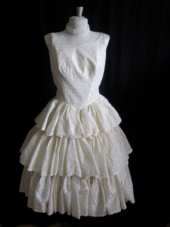 Vintage 1950s Jacquard Ivory Taffeta.Tiered full skirt.Tea length.Mad Men. Cocktail Party. Wedding dress.