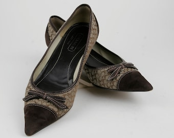 SALE 30% OFF  Gorgeous Vintage Two Toned Dark Brown Suede and Fabric Pumps French Heel by Coach Size 8 Made in Italy circa 1980s