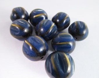 12 Vintage Lucite 12mm Carved Navy Blue Beads Bd309