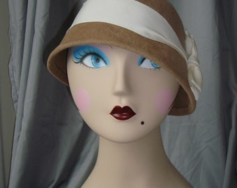 Louise Cloche Hat in Camel Fur Felt Velour with Vintage ivory Grosgrain Bow