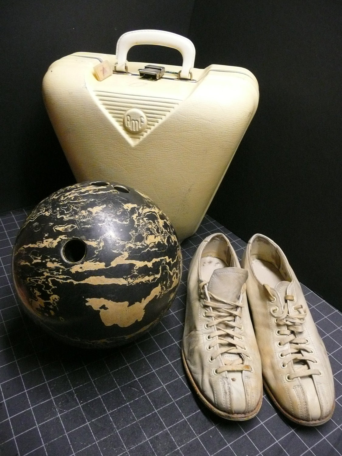 AMF Amflite White Russian Bowling Ball Carrier by ...