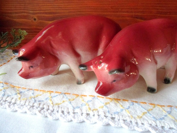 Red Pig Salt and Pepper Shakers, Hog Shakers