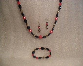 Fuschia & Black Necklace set