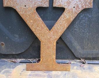 "Metal letter ""Y"""