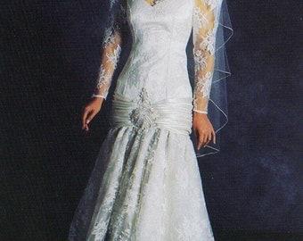 Vintage Ivory Rose Lace Hi-Low hem Bridal Gown size 10 New Store Sample never worn