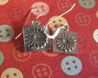 Quilt Jewelry  - Sterling Silver Earrings with a knitting, sewing, quilting theme - Dresden Plate