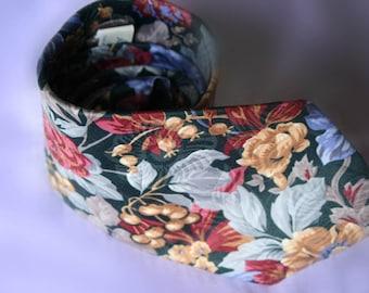 Vintage Mens Tie, Necktie 1980s 80s Floral Fall Tie