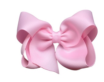 Adorable light pink hair bow - pink boutique bow, pink bow, 4 inch bows, boutique bows, girls hair bows, toddler bows, girls bow