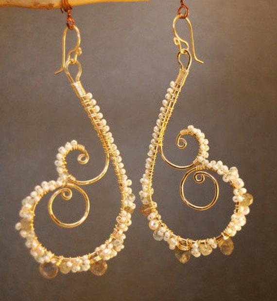 Hammered swirl earrings labradorite pearls Luxe Bijoux 103