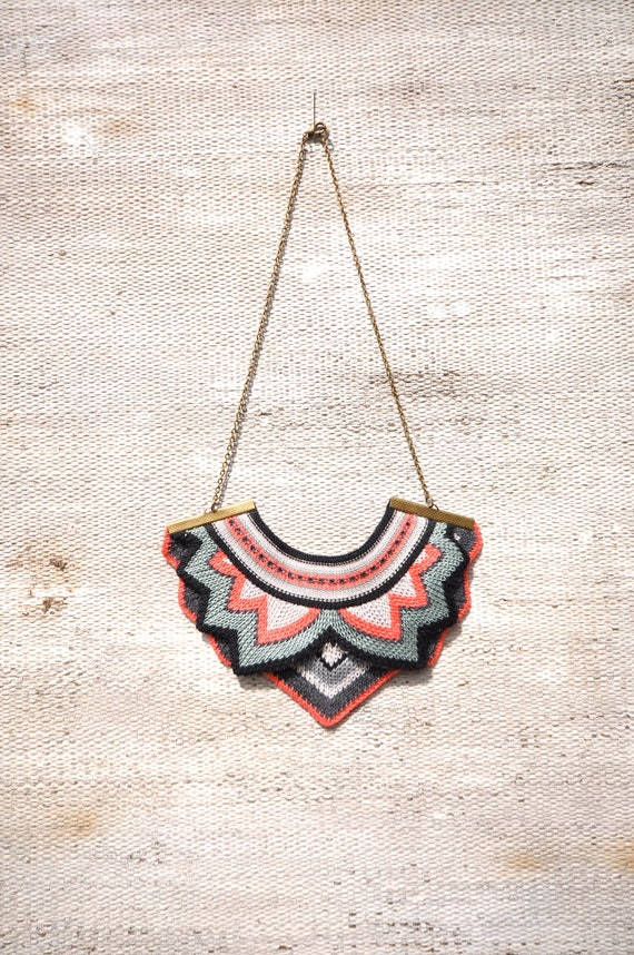 Butterfly knitted necklace - Bright Coral