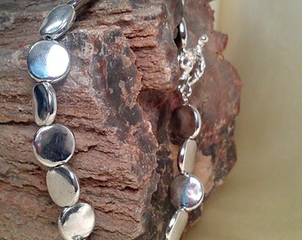 Stunning silver bracelet with toggle clasp
