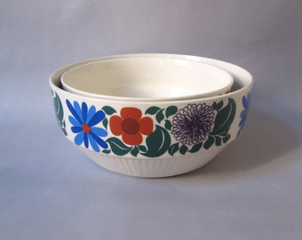 Retro. Vintage. GDR. Ceramic nesting bowls - set of 2 (H119)