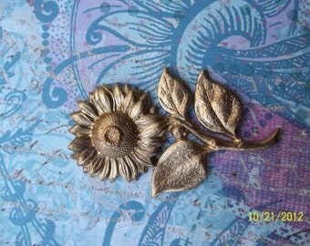 1 Extra Large, Vintage Brass,  Fluffy Flower Stamping     ...   t-31