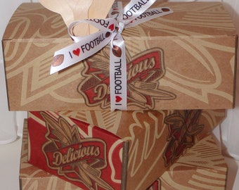 TAILGATING Party Lunch Box, 15- Retro Style Kraft Paper Picnic Boxes , Parties, Picnic, Cook Out, Tailgating, Sports, Reunions
