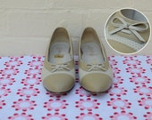 Vintage Oxford Kitten Heels in Tan and White
