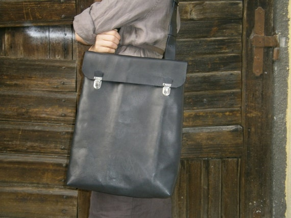 "15""Mac book Pro Laptop Bag, Vertical Laptop Bag, Handmade Black Leather Bag, Custom order Bag, Student's bag, Man Bag, gift"