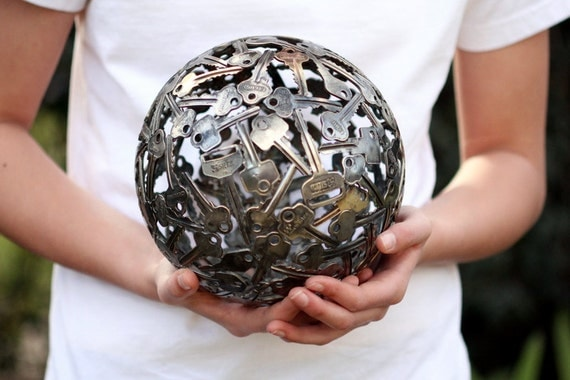 ONE ONLY 16 cm key ball, Key sphere, Metal sculpture ornament