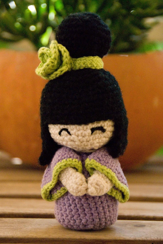 Amigurumi Japanese Doll : crochet kokeshi doll made with organic cotton yarn
