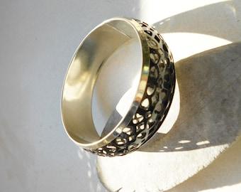 Vintage Bangle black cut out hearts bracelet in silver tone metal black metal weave overlay