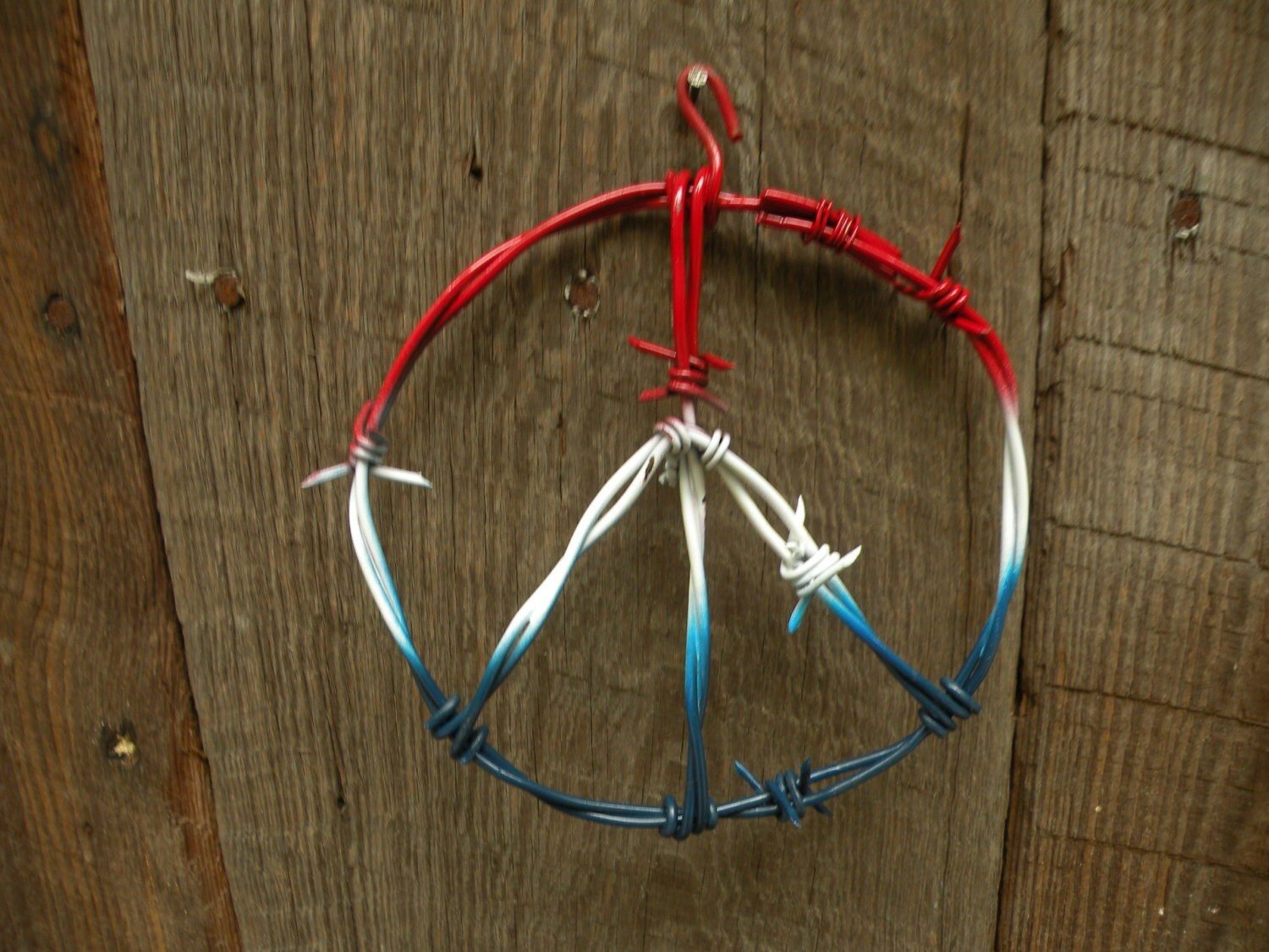 Barbed wire art for Wire art projects
