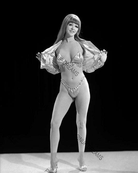 Vintage Stripper Photos 32