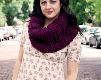 SALE - READY to SHIP - Eggplant Extra Chunky Cowl // Warm Purple Infinity Scarf // Collared Violet Circle Cowl