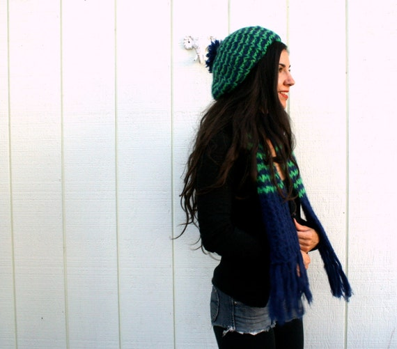holly and ivy // vintage woolen scarf and hat set