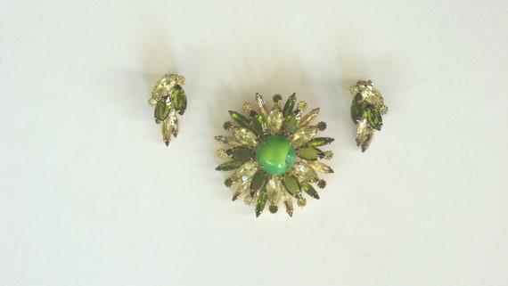1950s 1960s Rhinestone Brooch and Earring Set Green Rhinestones