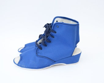 Vintage blue canvas open toe open heel lace up wedgies