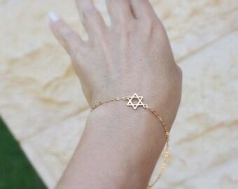 Jewish jewelry / Tiny Star of David bracelet /  star bracelet /  Jewish Star of David /  magen david bracelet / israeli jewelry friendship