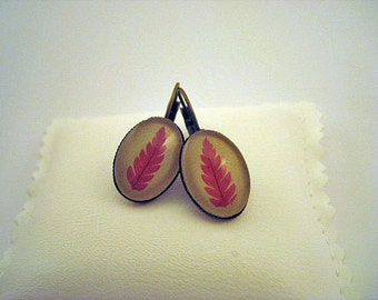 Woodland jewelry leaf earrings - nature gift with pressed red autumn leaves over beige leather- original gift