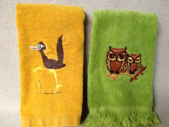 CLEARANCE Pair of Vintage Bathroom Finger Towels, Lime Green Owls, Golden Yellow Roadrunner, Retro Hand Towels, Embroidered Hand Towls