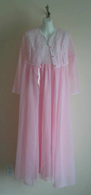 Vintage 1970s Lov Lee Pink Chiffon Peignoir Set