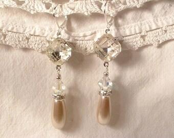 Art Deco Champagne Pearl & Crystal Bridal Dangle Earrings, Vintage Silver Flapper Drop Earrings Downton Abbey 1920s Wedding Great Gatsby