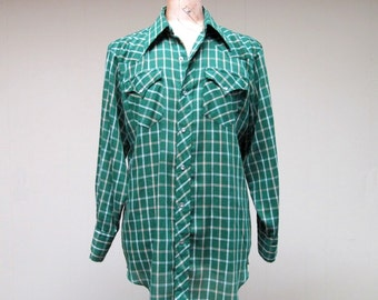 Vintage 1970s Shirt / 70s Mens Green Plaid Western Rockabilly Shirt / XL
