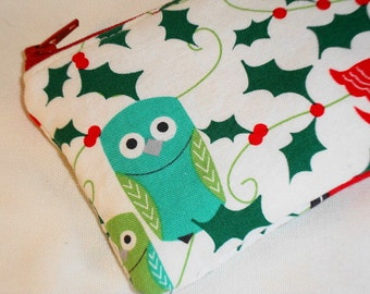 Kawaii Zippered Pouch ( Gift Card Case / IPod / Camera Bag) -- Holiday Owls (White)